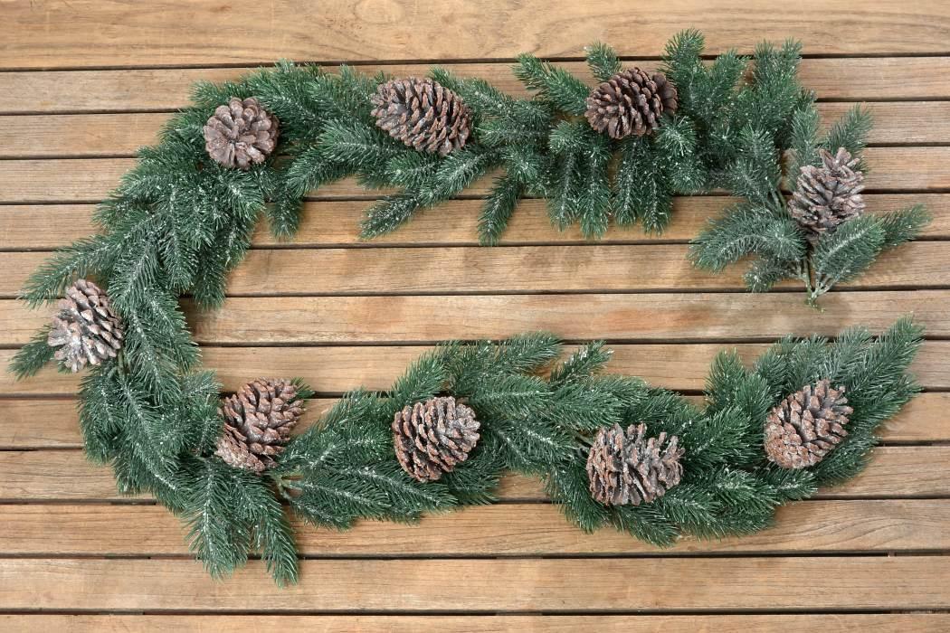 girlande tanne mit zapfen dekogirlande tischdeko weihnachten l 180cm. Black Bedroom Furniture Sets. Home Design Ideas