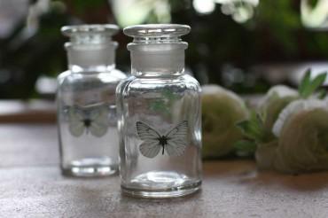 nostalgische glas flaschen 3er set landhaus. Black Bedroom Furniture Sets. Home Design Ideas