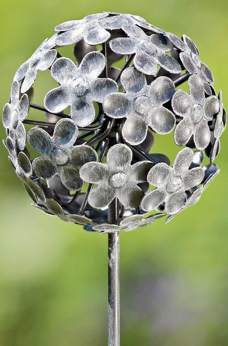 Gartenstab kugel gartenstecker metall h 110cm blumen muster for Blumen aus rostigem metall